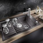 Waschbecken Küche Wohnzimmer Waschbecken Küche Kchenplanung Welche Sple Eignet Sich Fr Eine Arbeitsplatte Aus Hängeregal Pendelleuchte Armatur Badezimmer Abfalleimer Nolte Tapete Modern