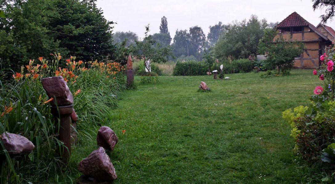 Large Size of Skulpturen Garten Atelier Im Malgarten Fürstenhof Bad Griesbach Sonnenschutz Für Fenster Gewächshaus Rollos Paravent Rundreise Und Baden Ecksofa Holzhaus Wohnzimmer Skulpturen Für Den Garten