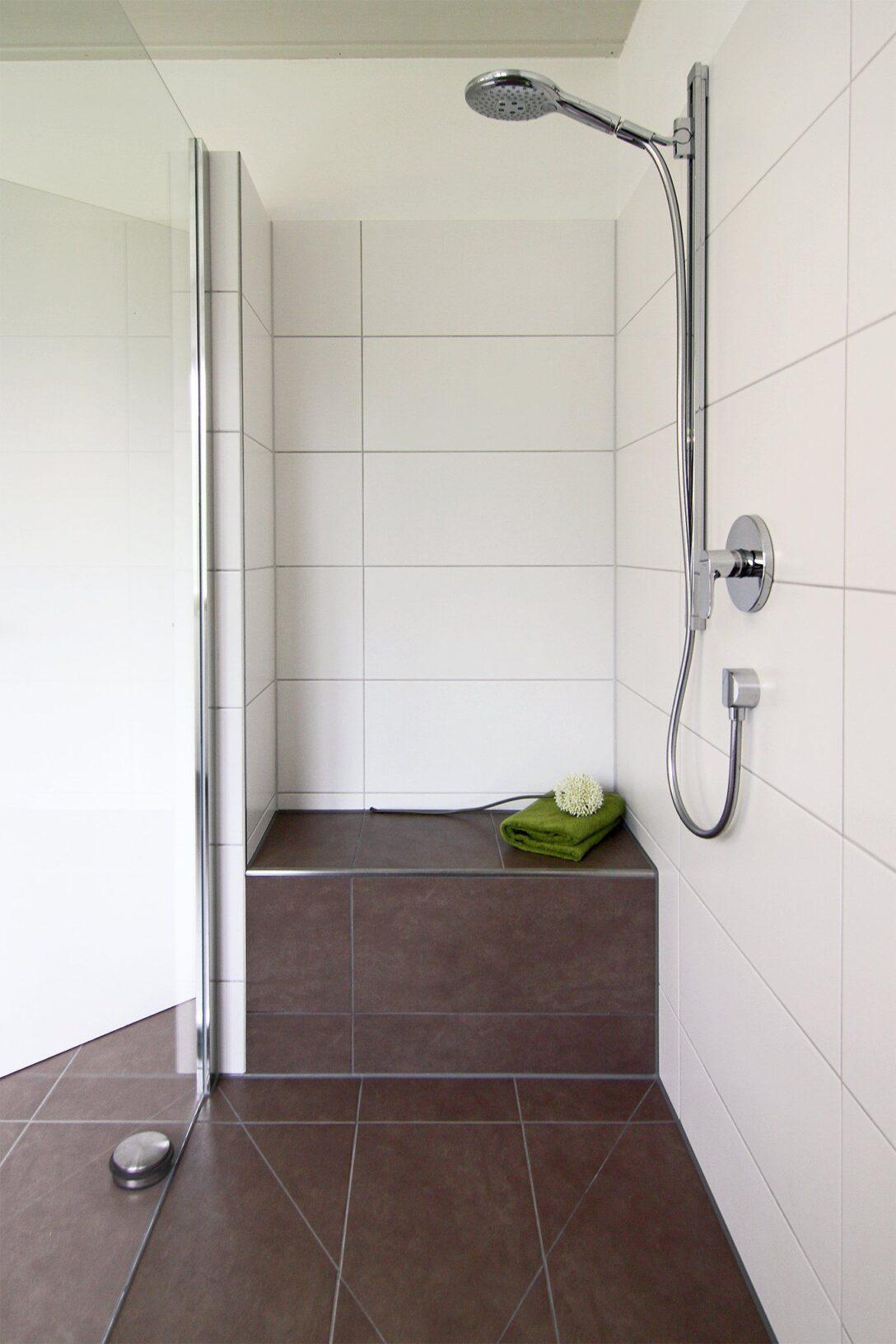 Large Size of Dusche Einbauen Bodengleiche Duschen Walkin Eckeinstieg Bodengleich Unterputz Armatur Behindertengerechte Haltegriff Wand Glaswand Abfluss 80x80 Nischentür Dusche Walkin Dusche