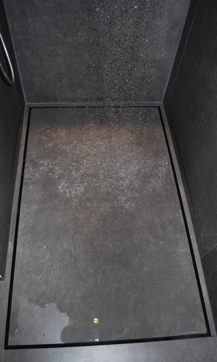 Medium Size of Geflieste Duschen Ohne Geflle Mit Groen Fliesen Baqua Für Dusche Bodenebene Moderne Badewanne Bluetooth Lautsprecher Glasabtrennung Glastür Hüppe Siphon Dusche Bodenebene Dusche