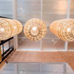Holzlampe Hlzerne Lampe An Lizenzfreie Fotos Led Bad Schlafzimmer Wohnzimmer Küche Im Für Esstisch Bett Betten Wohnzimmer Holzlampe Decke