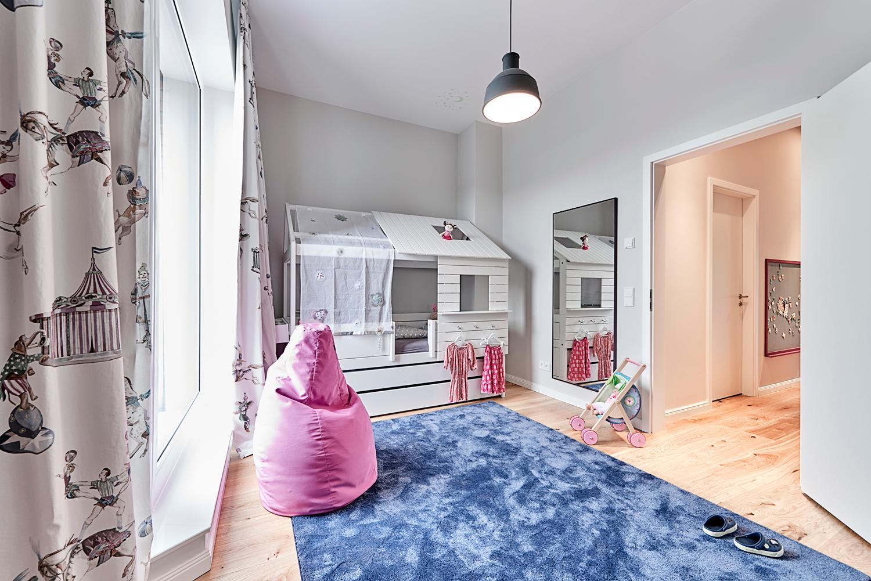 Full Size of Weies Kinderzimmer Mit Blau Und Pink Spiegel Sitz Spiegelleuchte Bad Spiegelschrank Led Regal Küche Fliesenspiegel Weiß Sofa Spiegelschränke Wandspiegel Kinderzimmer Spiegel Kinderzimmer