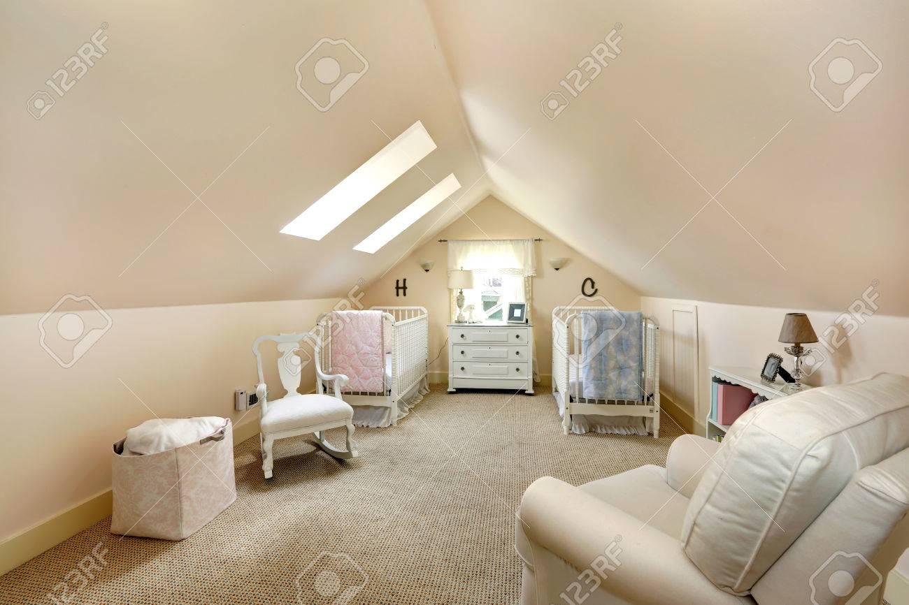 Full Size of Sessel Elfenbein Mit Zwei Schlafzimmer Garten Relaxsessel Aldi Hängesessel Wohnzimmer Lounge Regal Weiß Regale Sofa Kinderzimmer Sessel Kinderzimmer