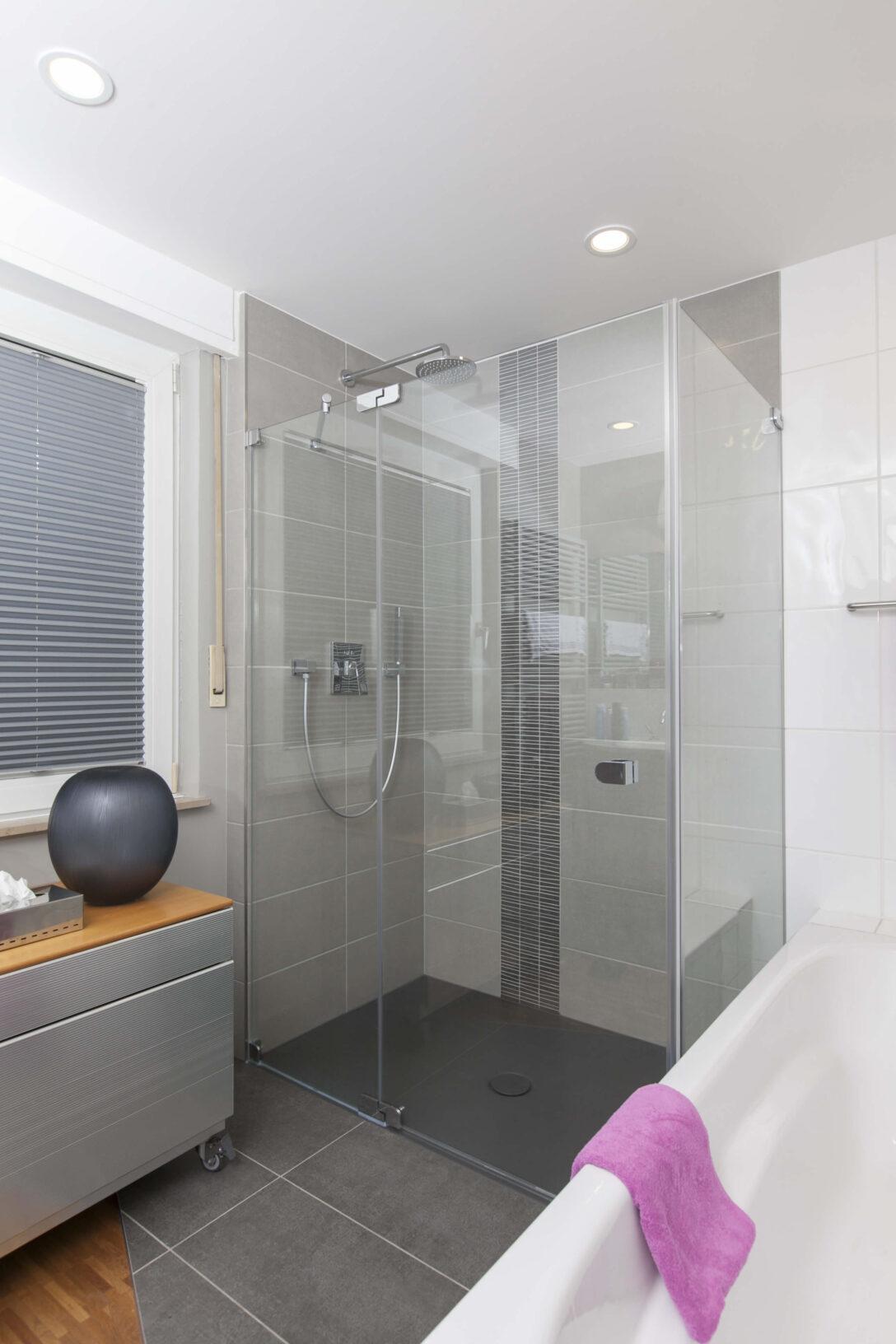 Large Size of Teilmodernisierung Dusche Badezimmer Kln Modernisierung Begehbare Haltegriff Ebenerdige Kosten Nischentür Koralle Glaswand Behindertengerechte Bodengleiche Dusche Barrierefreie Dusche
