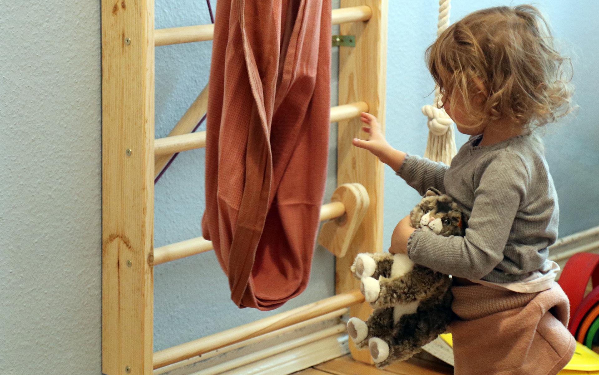 Full Size of Lieblingsspielzeug Kinderzimmer Klettergerst Von Guten Eltern Klettergerüst Garten Wohnzimmer Klettergerüst Indoor