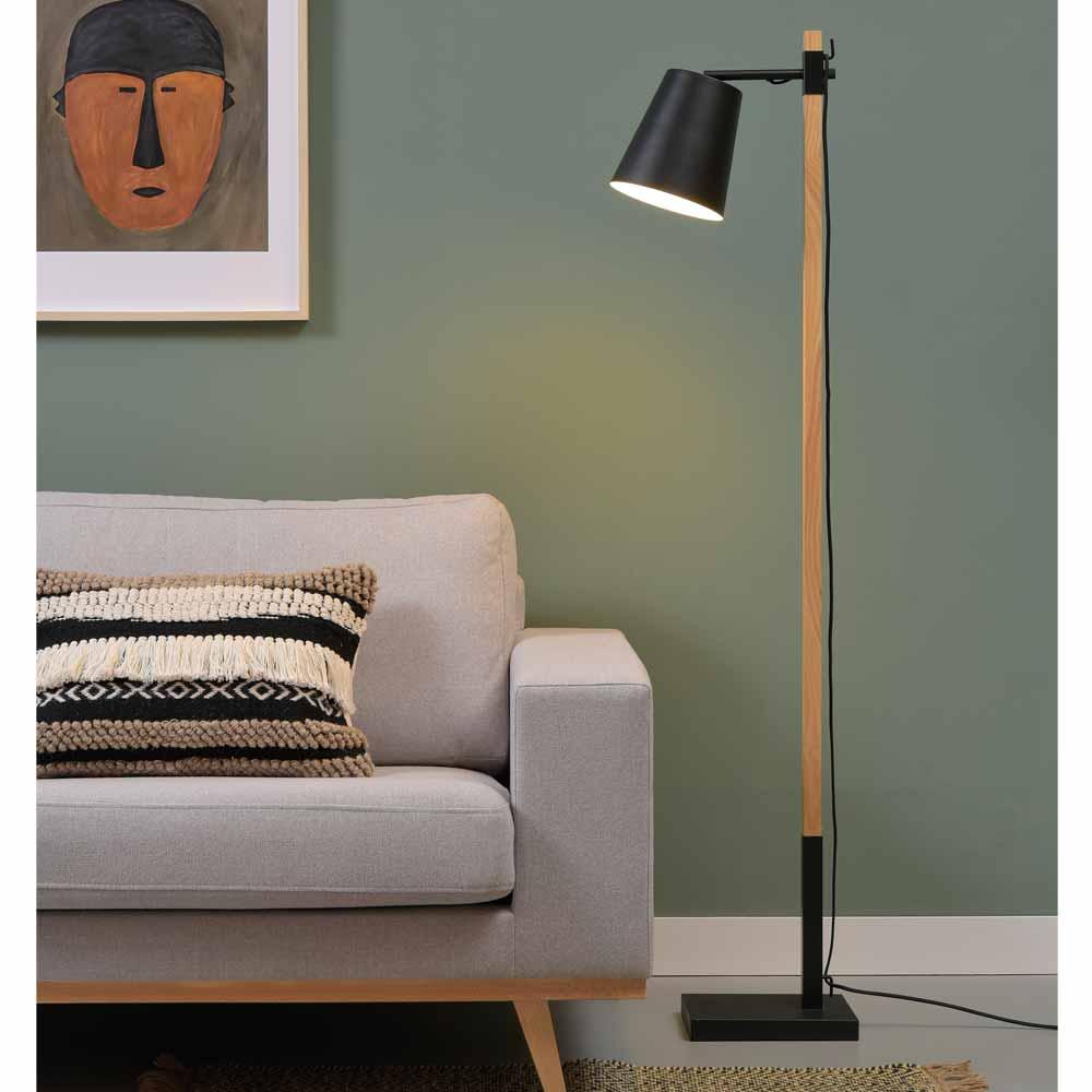 Full Size of Stehlampe Modern Moderne Stehlampen Aus Metall Holz Online Bestellen Milanaricom Modernes Bett Küche Deckenleuchte Schlafzimmer Duschen Wohnzimmer Bilder Wohnzimmer Stehlampe Modern
