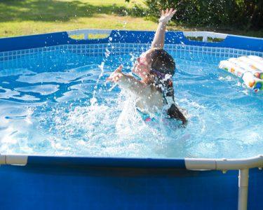 Pool Im Garten Wohnzimmer Abkhlung Von Der Sahara Hitze Pool Im Eigenen Garten Den Spielhaus Holz Weißes Schlafzimmer Regale Kinderzimmer Liege Wohnzimmer Bad Mergentheim Hotels Himmel