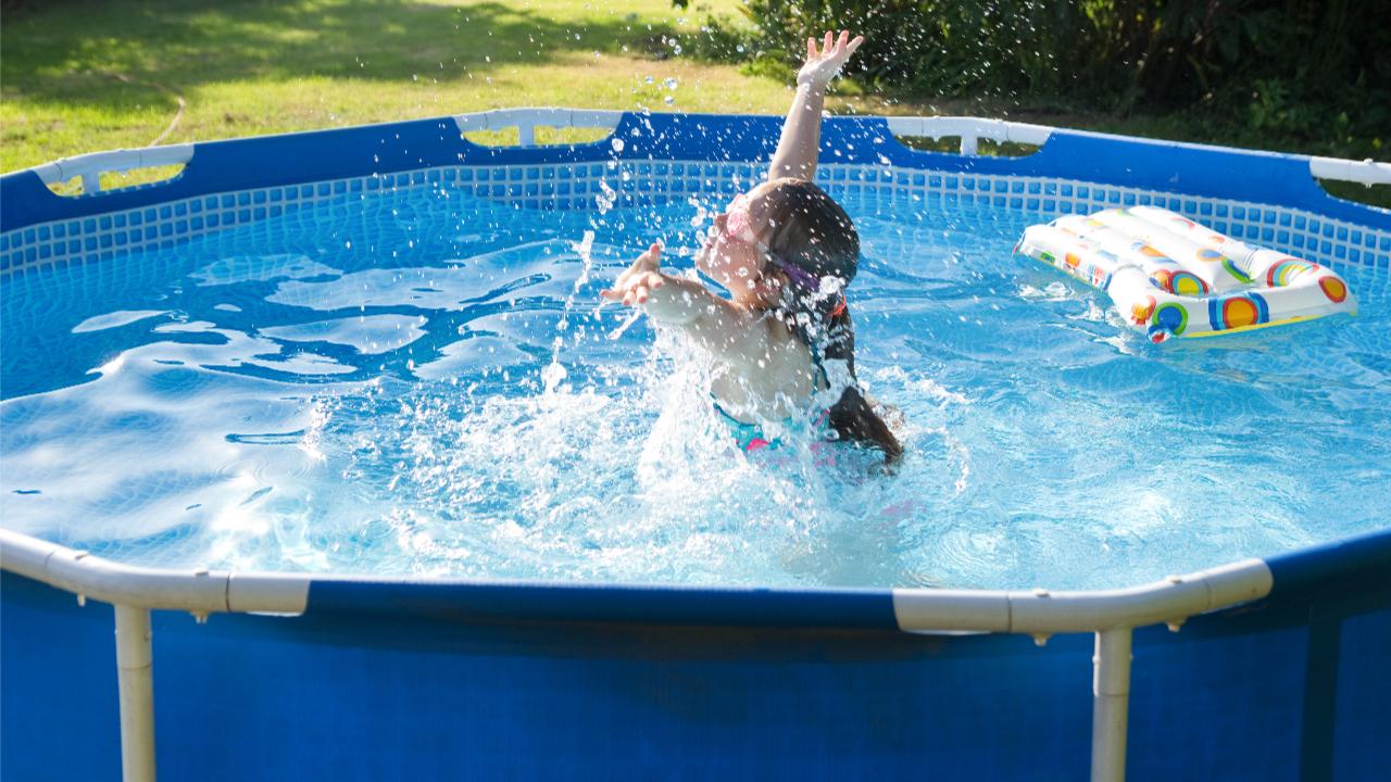 Full Size of Abkhlung Von Der Sahara Hitze Pool Im Eigenen Garten Den Spielhaus Holz Weißes Schlafzimmer Regale Kinderzimmer Liege Wohnzimmer Bad Mergentheim Hotels Himmel Wohnzimmer Pool Im Garten