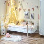 Kinderzimmer Prinzessin Kinderzimmer Kinderzimmer Prinzessin Mdchen Schlafen Wie Eine Regal Weiß Regale Prinzessinen Bett Sofa