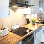 Weie Kchen Mit Holzarbeitsplatten Wohnkonfetti Bad Renovieren Ideen Wohnzimmer Tapeten Küchen Regal Wohnzimmer Küchen Ideen