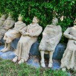 Skulpturen Für Den Garten Peter Lenk Provokante Kunst Nackte Wahrheiten Am Bett Mit Schubladen 90x200 Weiß Sonnenschutz Fenster Regal Getränkekisten Wohnzimmer Skulpturen Für Den Garten