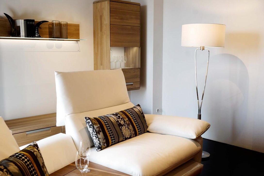 Full Size of Stehlampe Schlafzimmer Stehleuchte Paris Nickel Modern Und Zeitlos Modernes Sofa Moderne Esstische Wohnzimmer Deckenlampen Deckenleuchte Bilder Fürs Duschen Wohnzimmer Stehlampe Modern