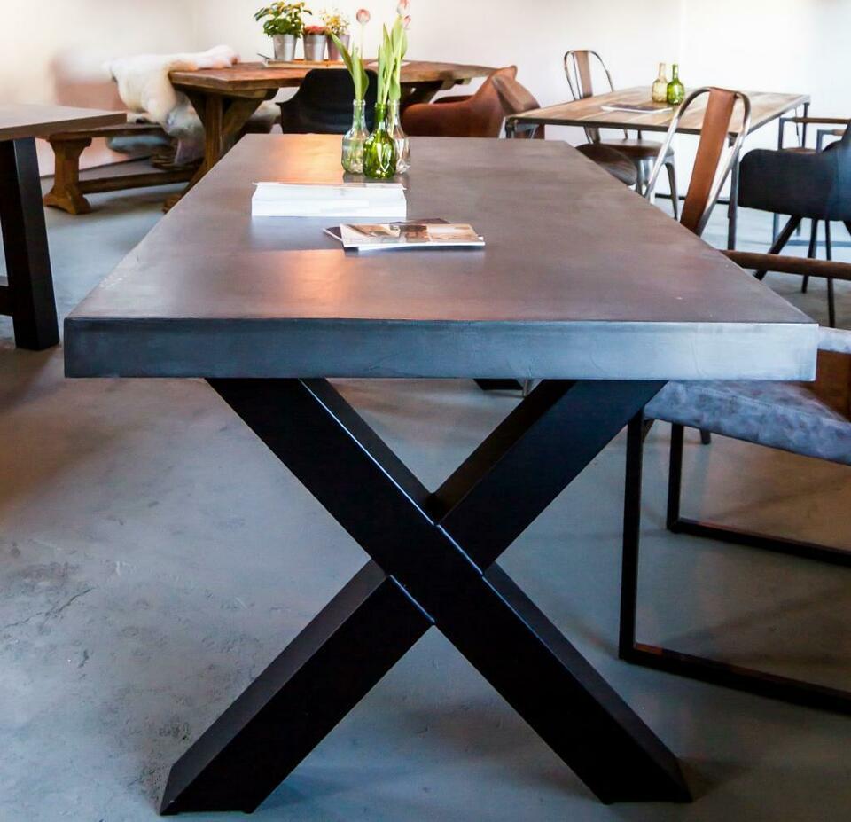 Full Size of Esstisch Betonplatte Oval Stühle Rustikal Holz Großer Bank Kaufen Rund Ausziehbar Eiche Vintage Esstische Esstisch Betonplatte