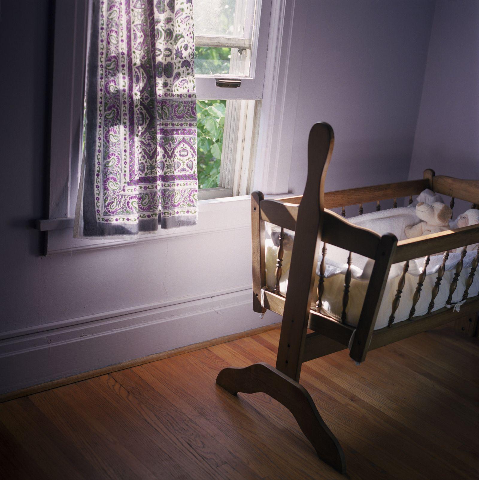 Full Size of Spiegel Kinderzimmer Unbekannter Hackt Baby Kamera In Der Sofa Wandspiegel Bad Spiegelschrank Badezimmer Mit Beleuchtung Led Spiegelleuchte Regal Spiegellampe Kinderzimmer Spiegel Kinderzimmer