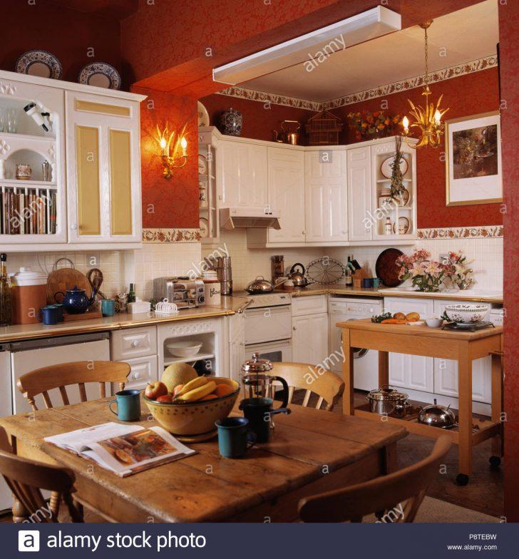 Medium Size of Tapete Für Küche Kiefer Tisch Und Sthle In Wei Traditionelle Kche Mit Sitzgruppe Sichtschutzfolie Fenster Fototapete Mischbatterie Salamander Finanzieren Wohnzimmer Tapete Für Küche