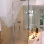 Duschabtrennung Aus Glas Fr Dachschrgen Individuell Nach Ma Mischbatterie Dusche 90x90 Hüppe Duschen Kaufen Glaswand Barrierefreie Behindertengerechte Dusche Glasabtrennung Dusche