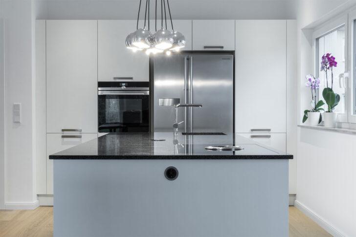 Medium Size of Kücheninsel Im Lot Positionierte Kcheninsel Mit Viel Stauraum Bhm Interieur Wohnzimmer Kücheninsel