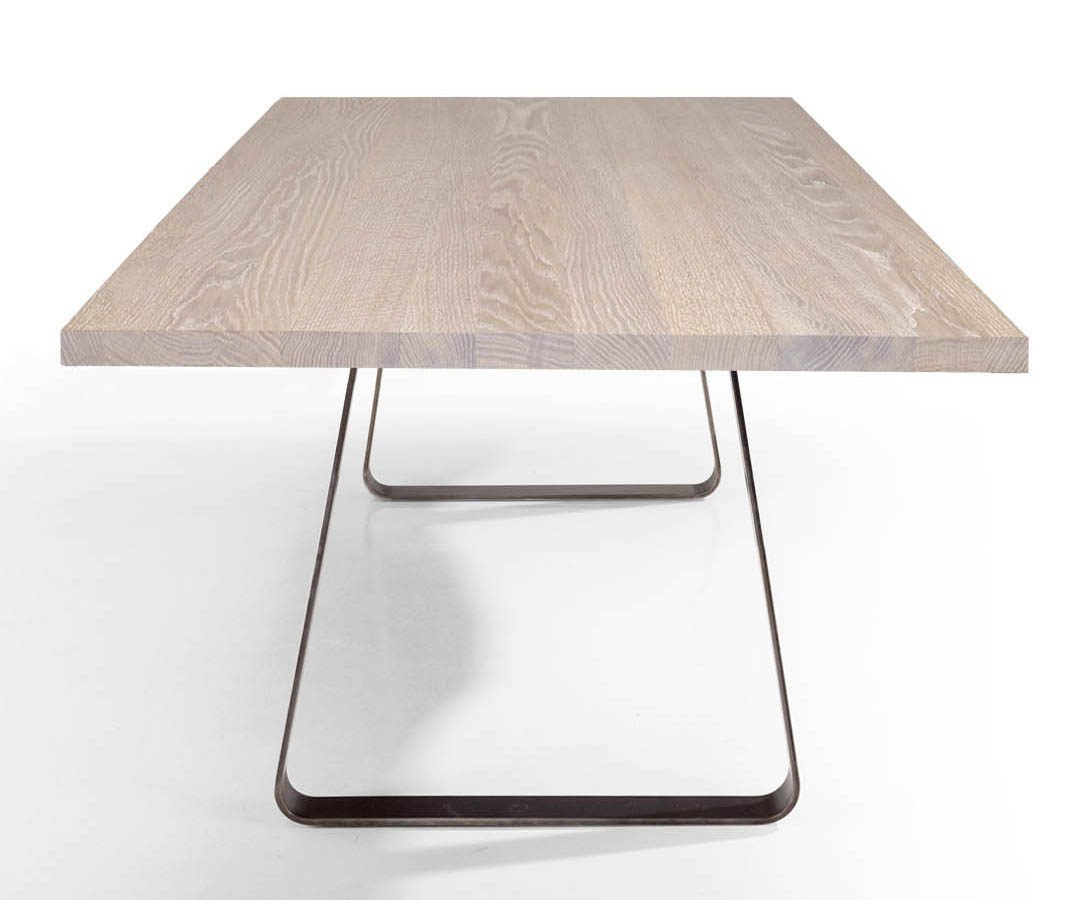 Full Size of Massivholz Esstisch Design Brutus Tisch Mit Stahluntergestell Shabby Chic Wildeiche 2m Esstische Massiv Bodengleiche Dusche Einbauen Und Stühle Grau Regal Esstische Esstisch Eiche