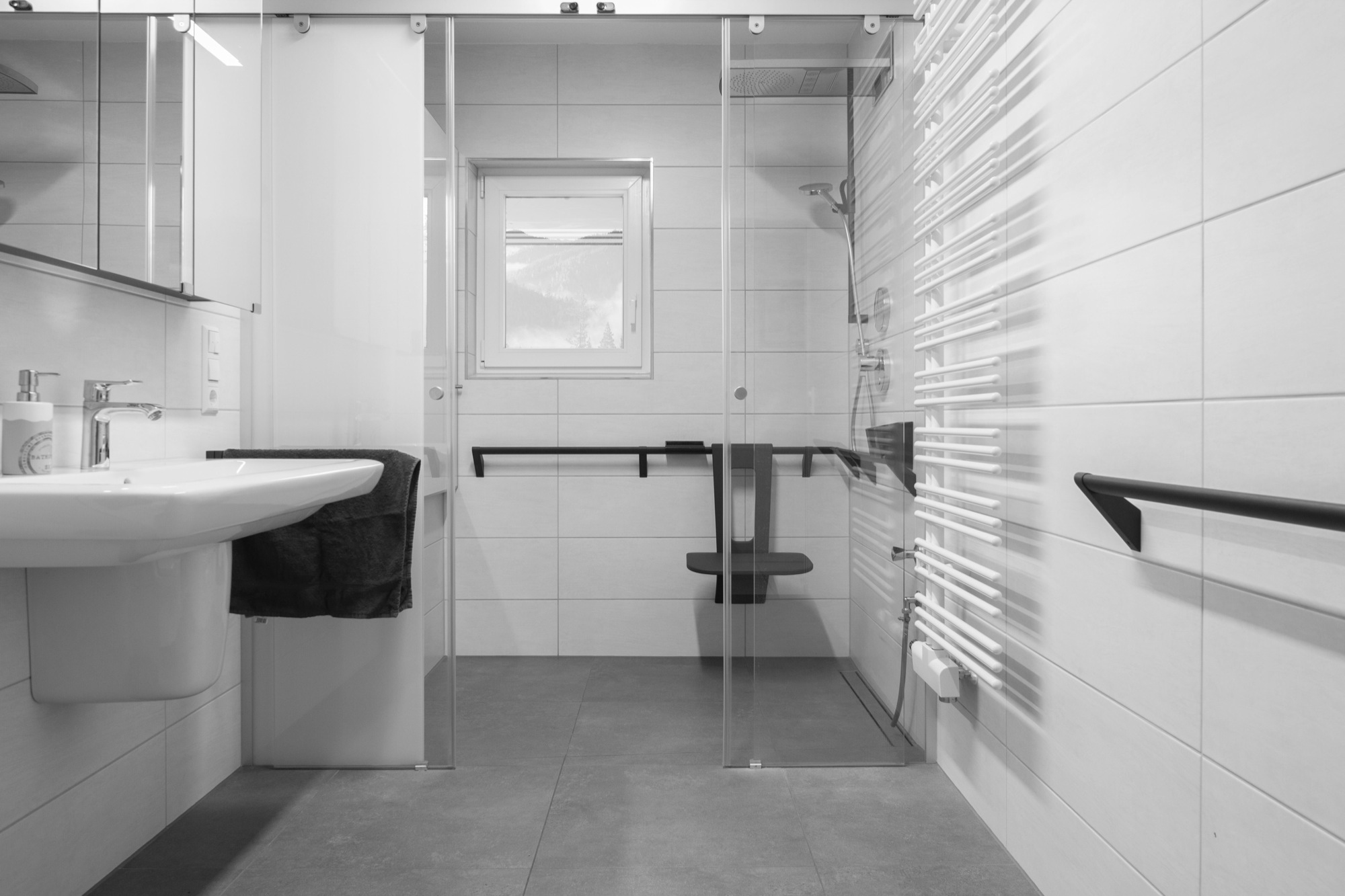 Full Size of Bodengleiche Dusche Nachträglich Einbauen Behindertengerechte Begehbare Duschen Hsk Eckeinstieg Kaufen Fliesen Velux Fenster Bluetooth Lautsprecher Rainshower Dusche Bodengleiche Dusche Nachträglich Einbauen