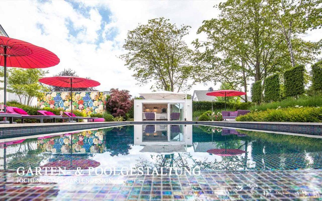 Large Size of Garten Mit Pool Mieten Frankfurt Kaufen Obi Modern Gestalten Um Anlegen Stuttgart Bilder Kleinen Berlin Und Sauna Kleiner Kleinem Feuerstelle Gartenpools Wohnzimmer Garten Mit Pool
