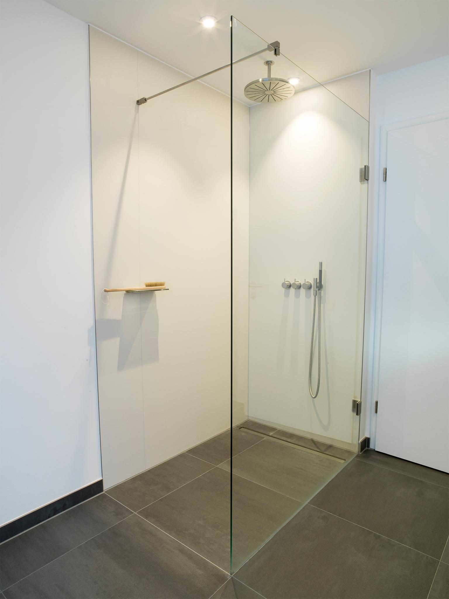 Full Size of Dusche Ebenerdige Walk In Lsung Badezimmer D Glasabtrennung Eckeinstieg Bodengleich Badewanne Mit Tür Und Einbauen Duschen Kaufen Koralle Einhebelmischer Dusche Dusche Ebenerdig