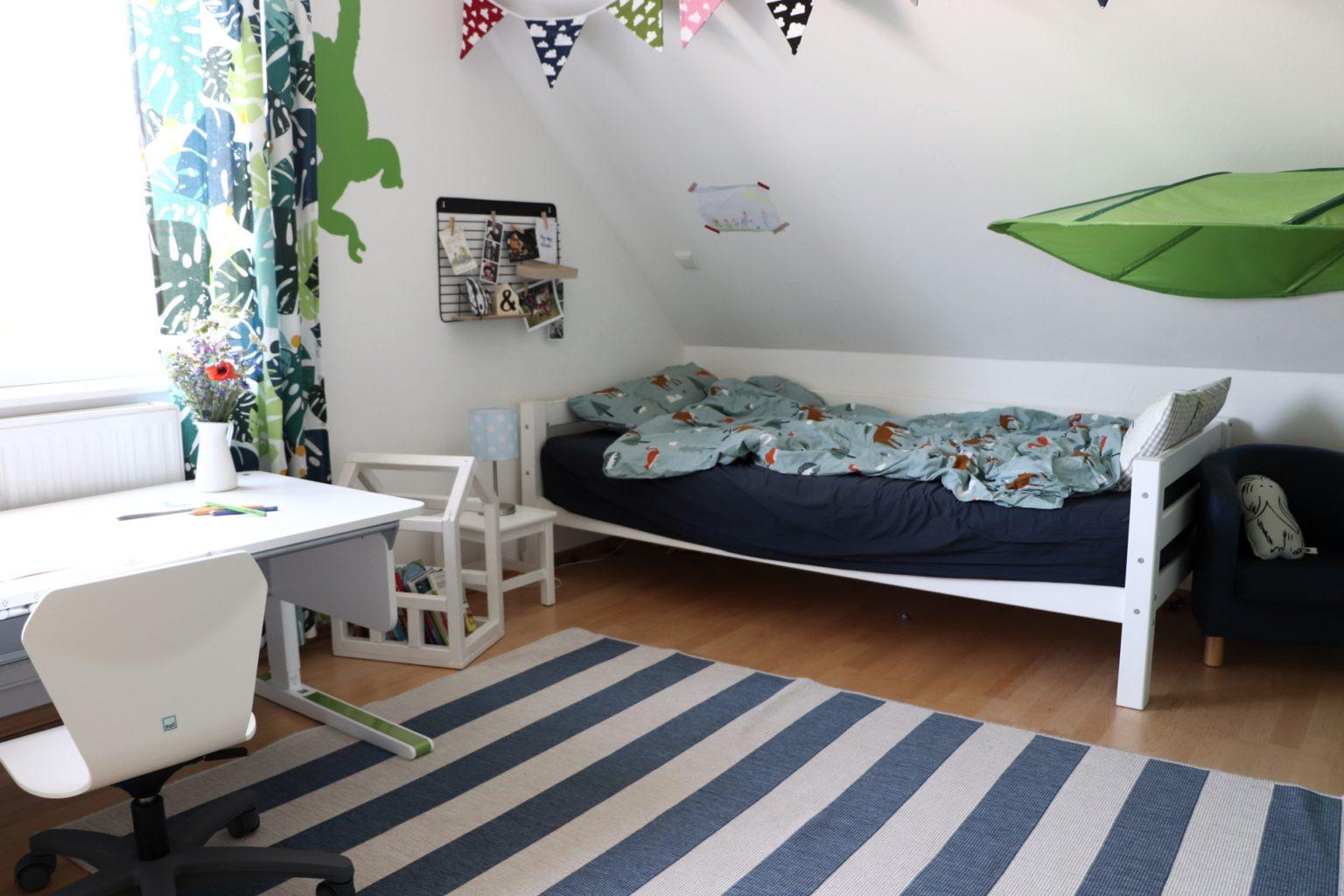 Full Size of Kinderzimmer Einrichten Junge Umgestaltung Vom Kindergartenkind Zum Schulkind Regal Sofa Badezimmer Regale Kleine Küche Weiß Kinderzimmer Kinderzimmer Einrichten Junge