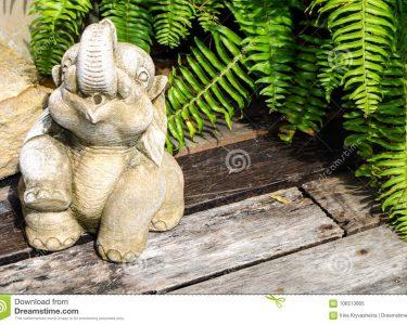 Skulptur Garten Wohnzimmer Skulptur Eines Elefanten Vom Beton Fr Garten Stockbild Bild Von Lounge Sessel Zaun Essgruppe Loungemöbel Spielhäuser Bewässerungssystem Schallschutz