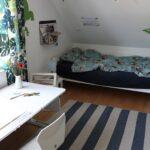 Jungen Kinderzimmer Kinderzimmer Jungen Kinderzimmer Teppich Babyzimmer Junge Streichen Deko Selber Machen Gestalten Wandgestaltung Ideen Grundschulkind Lavendelblog Regal Regale Sofa Weiß
