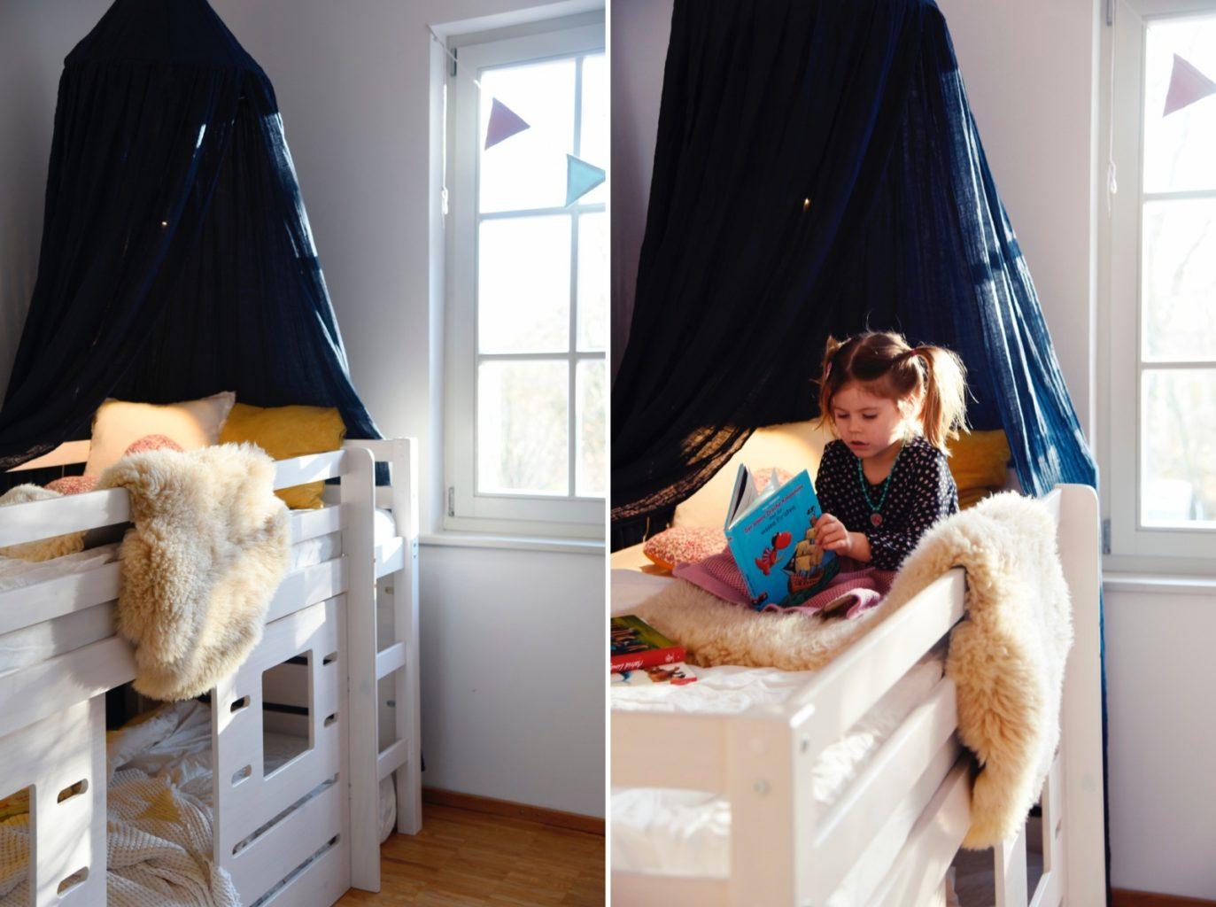 Full Size of Kinderzimmer Hochbett Hurra Sofa Regal Weiß Regale Kinderzimmer Kinderzimmer Hochbett