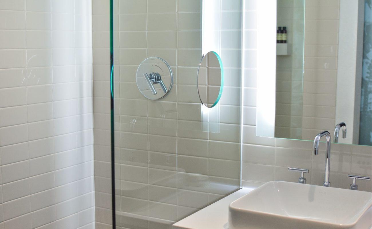 Full Size of Was Hilft Bei Verstopftem Duschabfluss Badratgebercom Dusche Mischbatterie Bodengleiche Duschen Bluetooth Lautsprecher Antirutschmatte Fliesen Für Einbauen Dusche Abfluss Dusche
