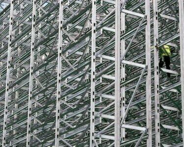 Tiefes Regal Regal Tiefes Regal Fachfirma Baut 180 Tonnen Schweres Hochregal Fr Stauff Neuenrade Regale Für Dachschrägen Stecksystem Kleines Mit Schubladen Berlin Flexa Eiche