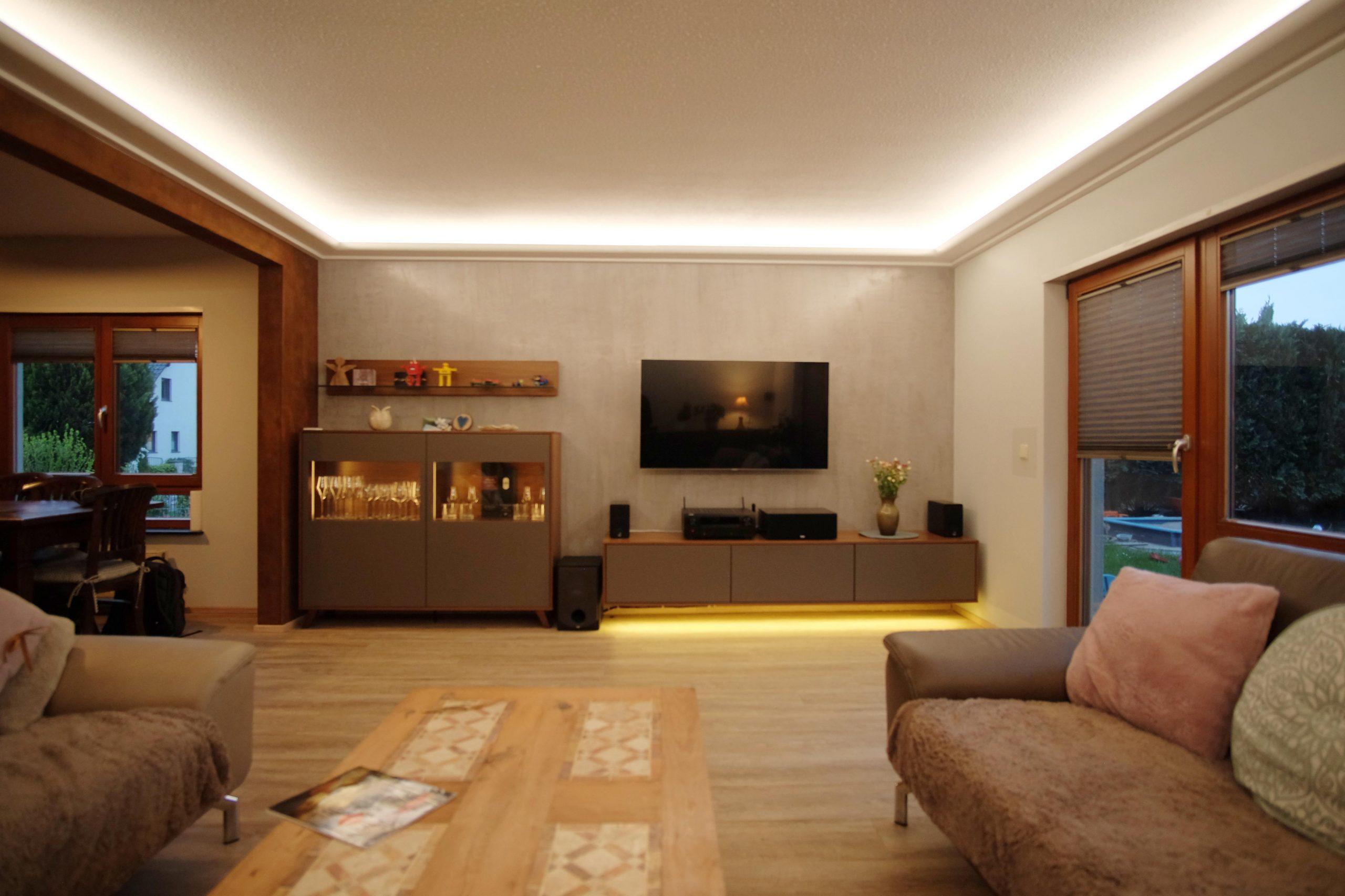 Full Size of Wohnzimmer Indirekte Beleuchtung Indirektes Licht Vorher Nachher Deckenlampen Sessel Deckenleuchte Led Vorhänge Teppich Tapeten Ideen Spiegelschrank Bad Mit Wohnzimmer Wohnzimmer Indirekte Beleuchtung