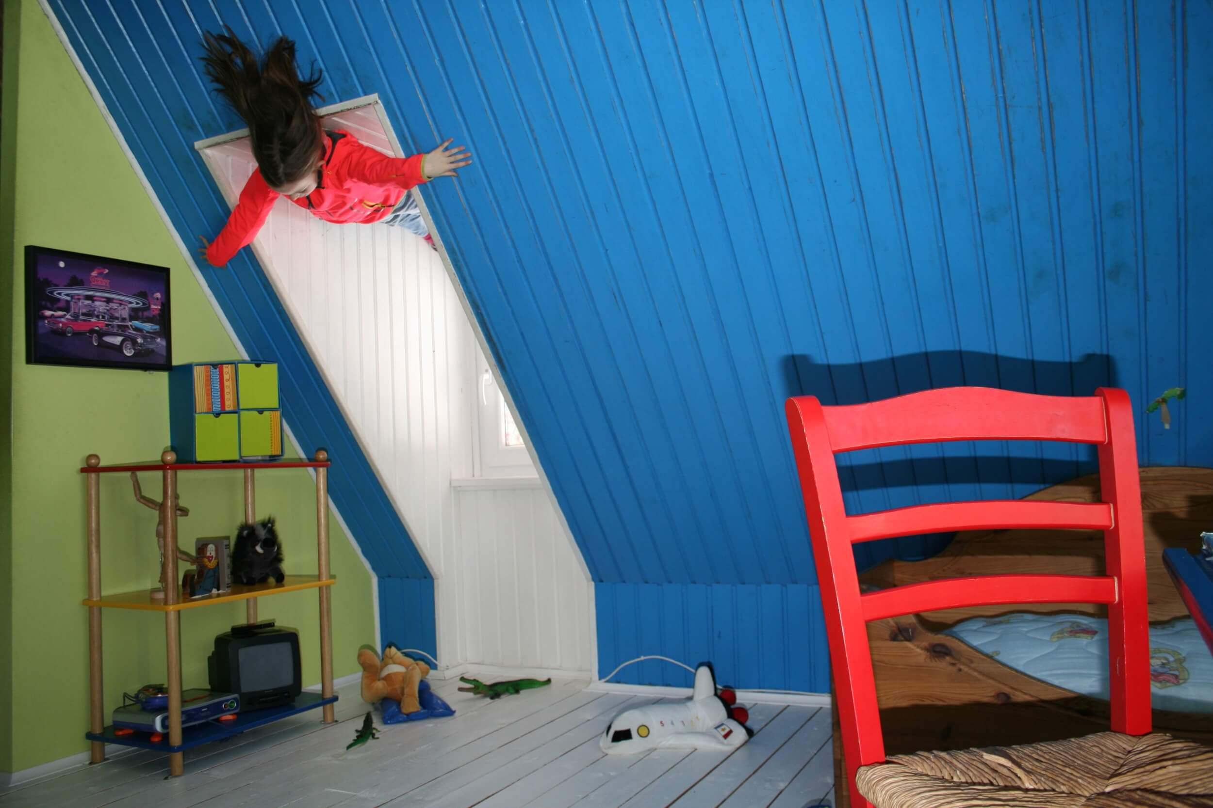 Full Size of Kinderzimmer Einrichtung Gefahrenquellen Im Tipps Fr Eine Sichere Regal Sofa Weiß Regale Kinderzimmer Kinderzimmer Einrichtung