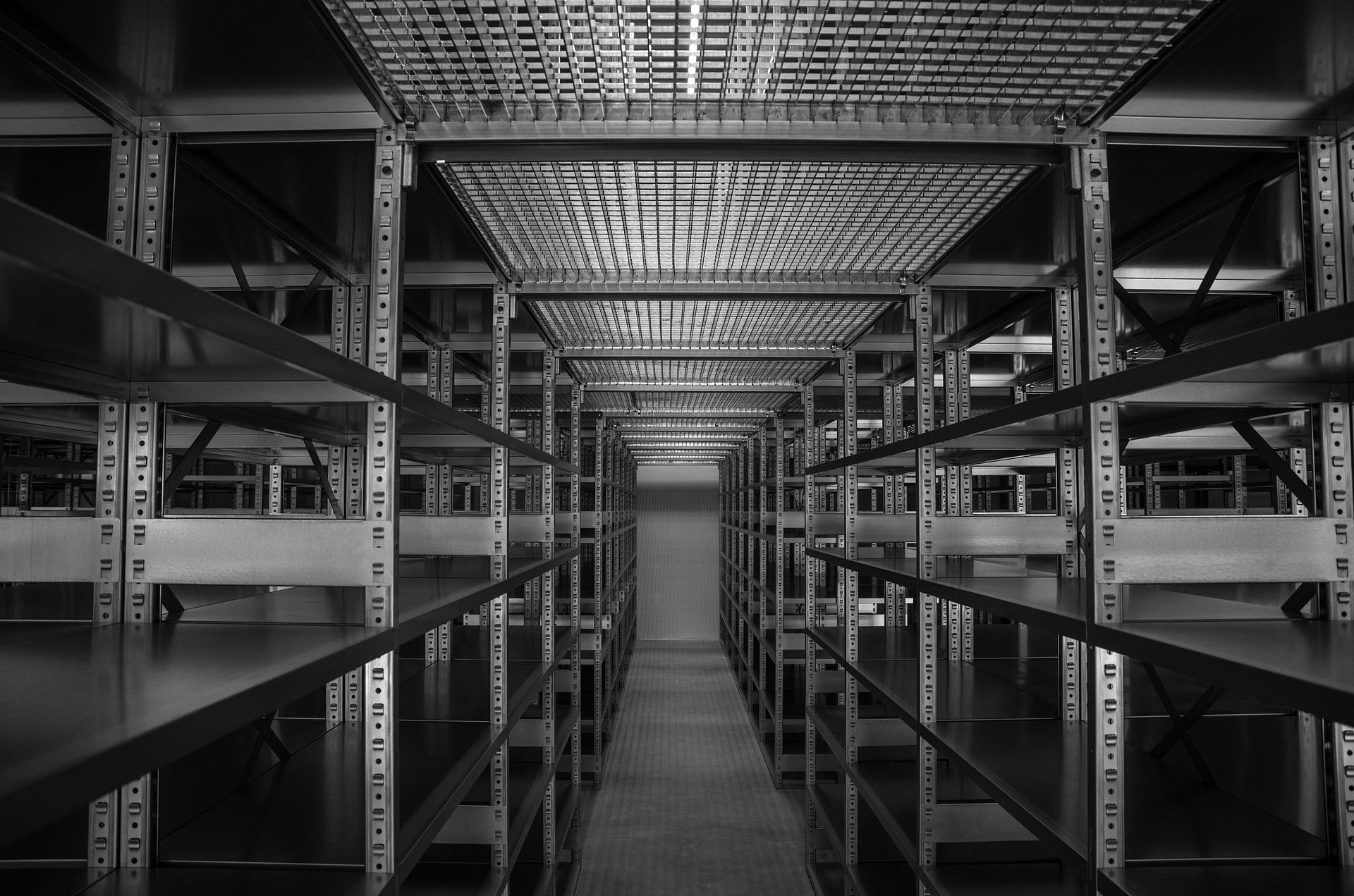 Full Size of Neue Regale Fr Zuhause Und Keller Tamada Djs Cd Meta Paschen Bito Günstige Für Aus Europaletten Kleine Kaufen Regal Regale Keller