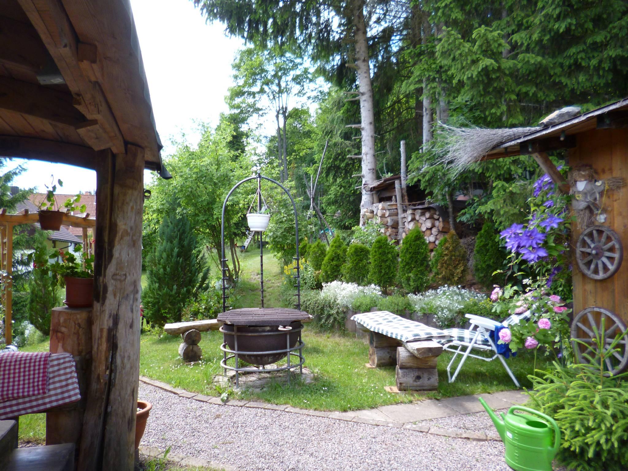 Full Size of Haus Schwarz In Friedenweiler Baden Wrttemberg Pavillon Garten Trennwände Beistelltisch Schwimmingpool Für Den Kugelleuchte Liegestuhl Stapelstühle Wohnzimmer Grillstelle Garten