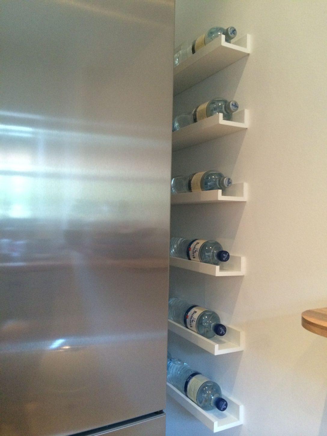 Large Size of Flaschenregal Ikea Kche Bild Leiste Wandtatoo Küche Landhausküche Gebraucht Nobilia Deko Für Kaufen Müllschrank Was Kostet Eine Gewinnen Beistelltisch Wohnzimmer Ikea Wandregal Küche