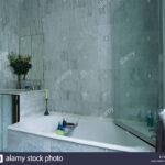 Glastür Dusche Glastr Ber Badewanne Im Modernen Marmor Geflieste 90x90 Einhebelmischer Bodengleiche Nachträglich Einbauen Grohe Thermostat Hüppe Duschen Dusche Glastür Dusche