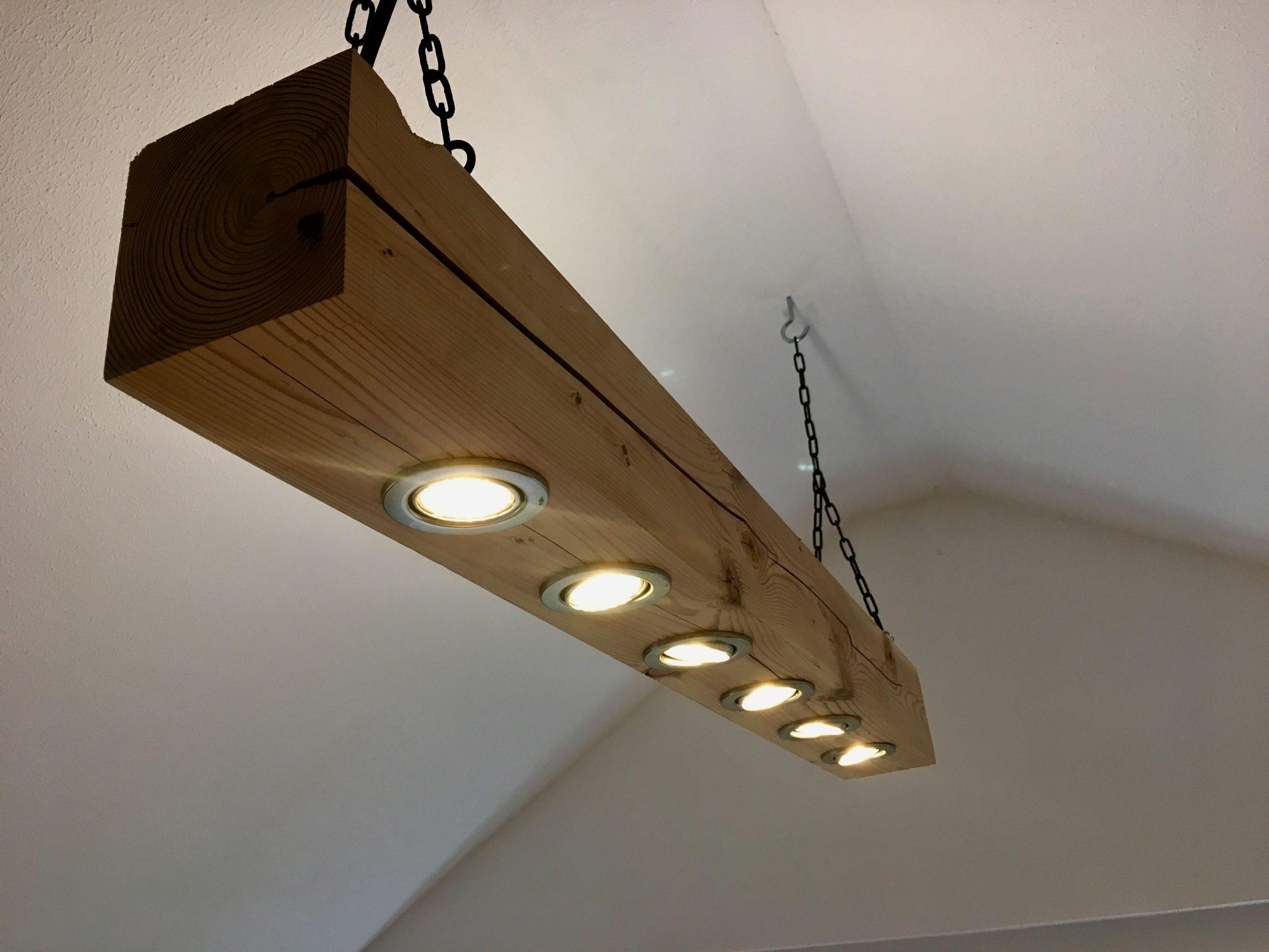 Full Size of Holzlampe Decke Im Bad Deckenleuchte Küche Deckenlampe Esstisch Wohnzimmer Deckenleuchten Led Badezimmer Decken Schlafzimmer Modern Deckenlampen Tagesdecken Wohnzimmer Holzlampe Decke