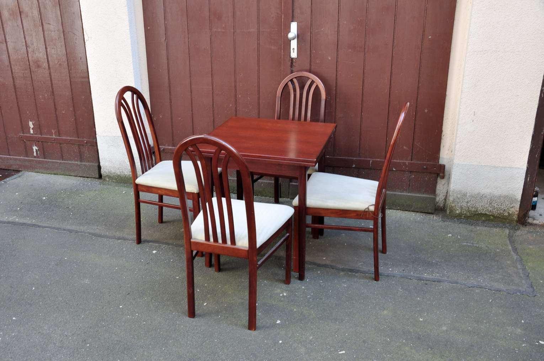 Full Size of Stühle Esstisch Wildeiche Moderne Esstische Mit 4 Stühlen Günstig Groß Rustikal Kleiner Weiß Musterring Bogenlampe Massivholz Großer Massiv Ausziehbar Esstische Stühle Esstisch