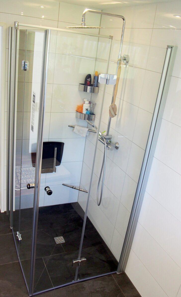 Bodengleiche Dusche Mit Duschsitz Und Falttren Glasabtrennung Einbauen Thermostat Breuer Duschen Begehbare Fliesen Mischbatterie Koralle Schulte Werksverkauf Dusche Bodengleiche Dusche