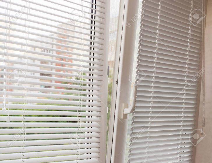 Medium Size of Fenster Jalousien Innen Rollos Küche Gewinnen Sprüche T Shirt Junggesellinnenabschied Jalousie Sonnenschutzfolie Sonnenschutz Wohnzimmer Fensterrollo Innen