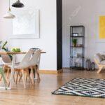 Schwarz Wei Lampe Ber Esstisch Mit Minze Und Weien Sthlen In Landhausstil Ausziehbar Lampen 120x80 Esstische Massiv Günstig Teppich Küche Kleiner Weiß Eiche Esstische Esstisch Teppich