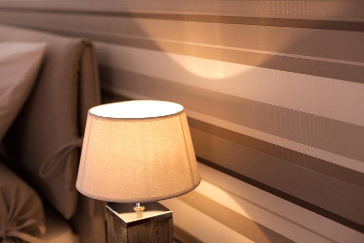 Medium Size of Gestreifte Tapete Bilder Ideen Couch Vinylboden Wohnzimmer Stehleuchte Anbauwand Teppich Deckenleuchten Deckenlampen Modern Wohnwand Lampen Pendelleuchte Led Wohnzimmer Tapeten Ideen Wohnzimmer