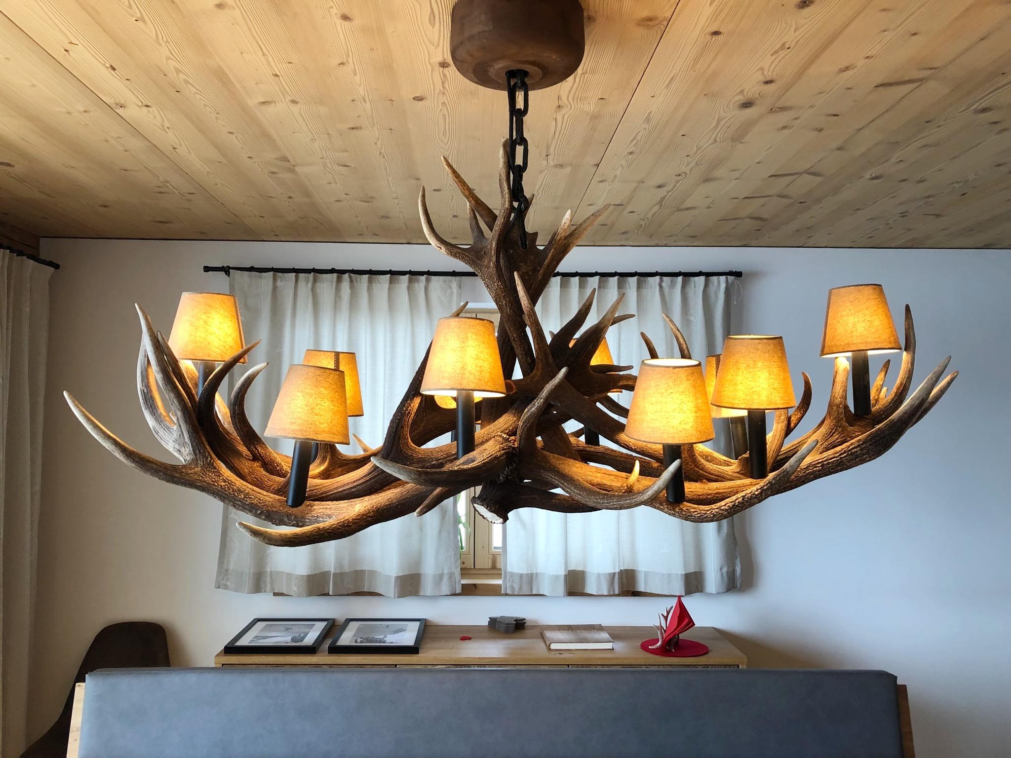 Full Size of Lampen Esstisch Essitsch Geweihlampe Designed By Oh My Deer Magefertigt Antik Sofa Für Quadratisch Lampe Massiv Ausziehbar Großer Holz Rund Eiche Sägerau Esstische Lampen Esstisch