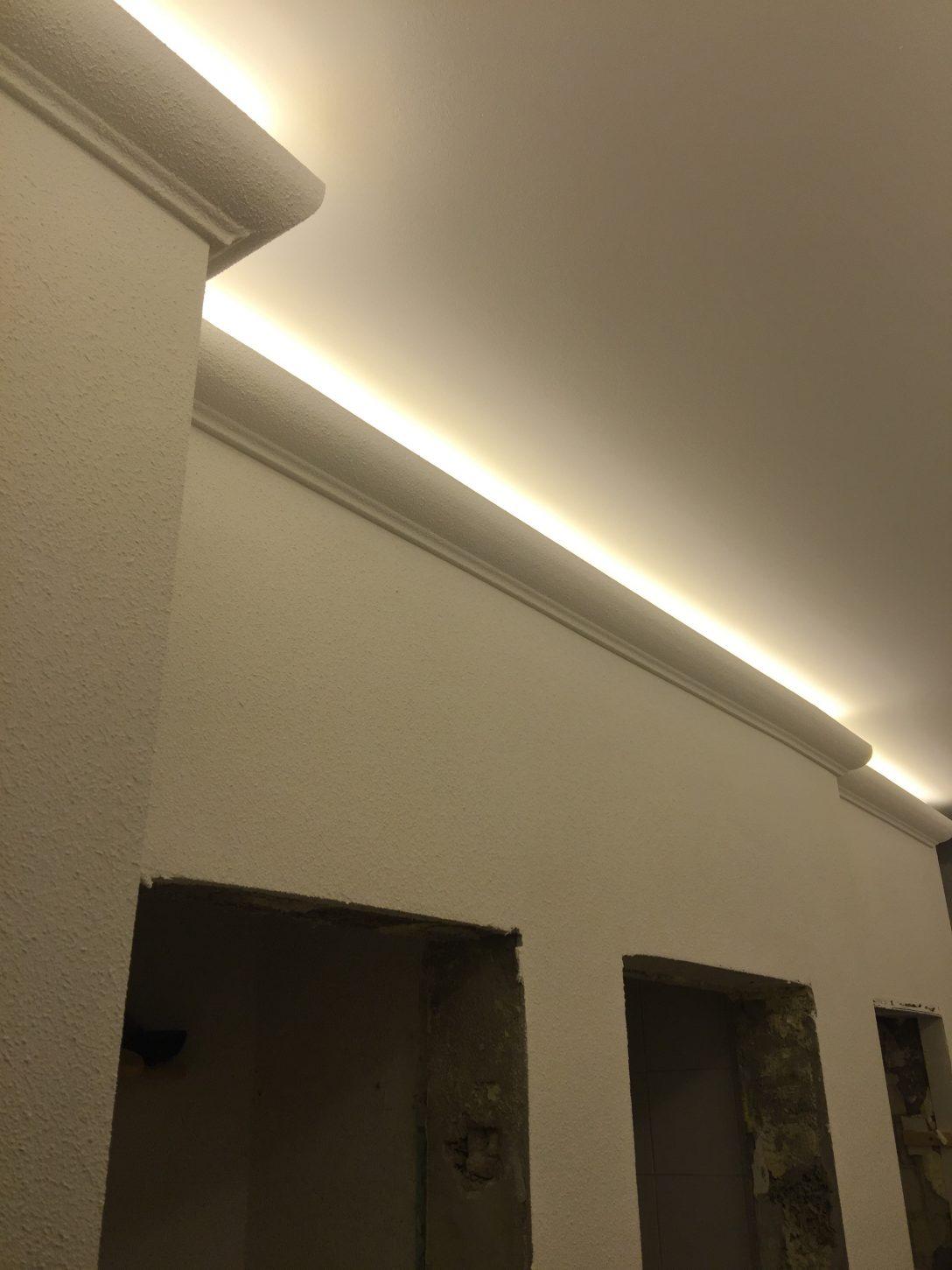 Large Size of Indirekte Beleuchtung Decke 2 Meter Led Profil Pu Stuckleiste Fr Badezimmer Deckenleuchte Im Bad Wohnzimmer Decken Spiegelschrank Mit Küche Deckenleuchten Wohnzimmer Indirekte Beleuchtung Decke