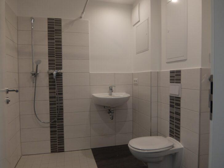 Medium Size of Dusche Ebenerdig 2 Raum Wohnung Mit Ebenerdiger Und Sdbalkon Tag Wohnen Moderne Duschen Bodengleiche Nachträglich Einbauen Bodengleich Ebenerdige Kosten Dusche Dusche Ebenerdig