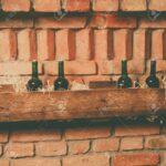 Regal Keller Weinflaschen Auf Hlzernen Im Lizenzfreie Fotos Roller Regale Weiß Nach Maß Aus Kisten Dachschräge Kleine 40 Cm Breit Paschen Mit Körben Regal Regal Keller