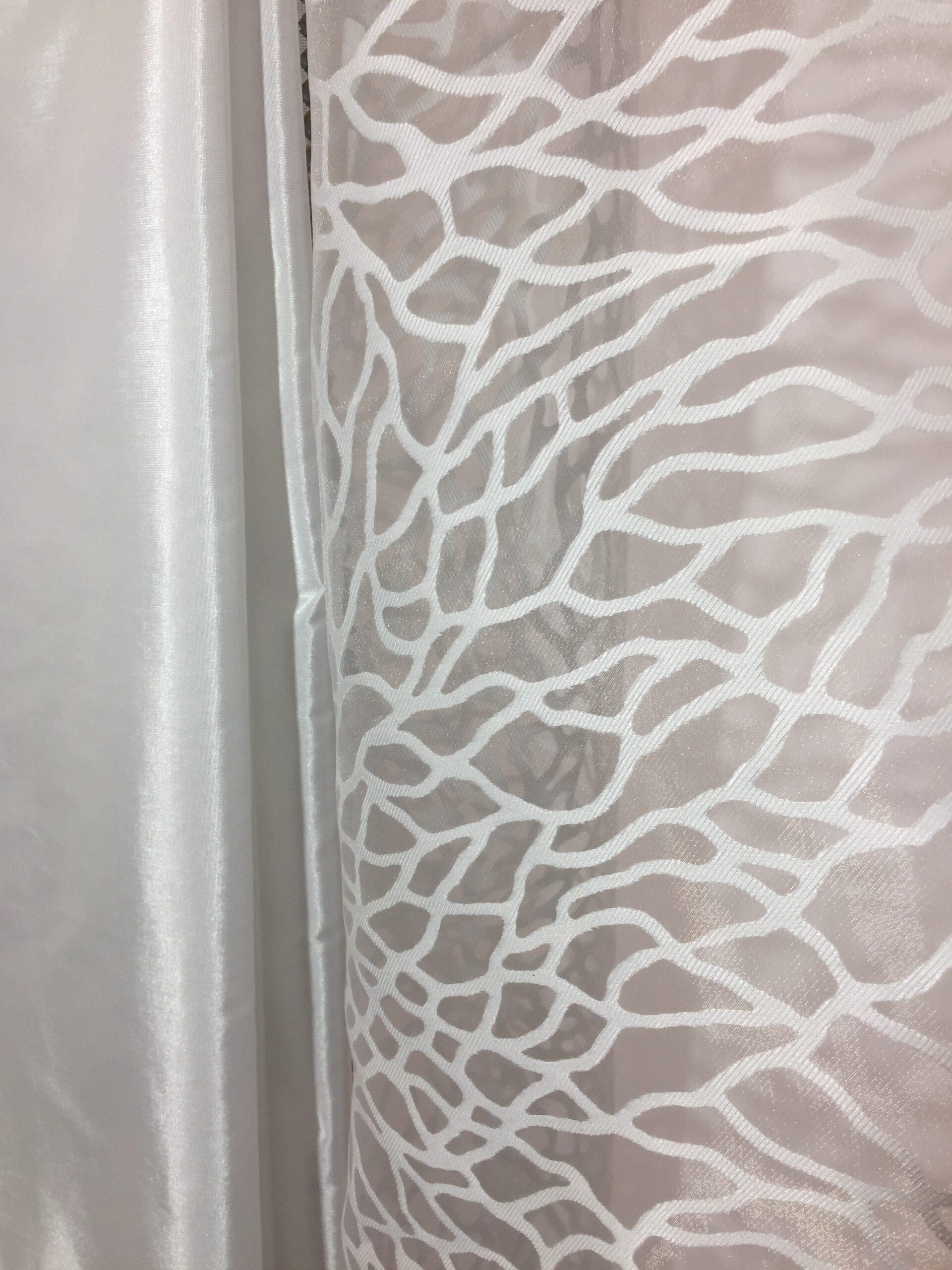 Full Size of Gardinen Modern Traum Vorhang Taft Plana Farbe Wei Auf Ma Tapete Küche Für Schlafzimmer Wohnzimmer Die Moderne Esstische Modernes Bett Holz Fenster 180x200 Wohnzimmer Gardinen Modern