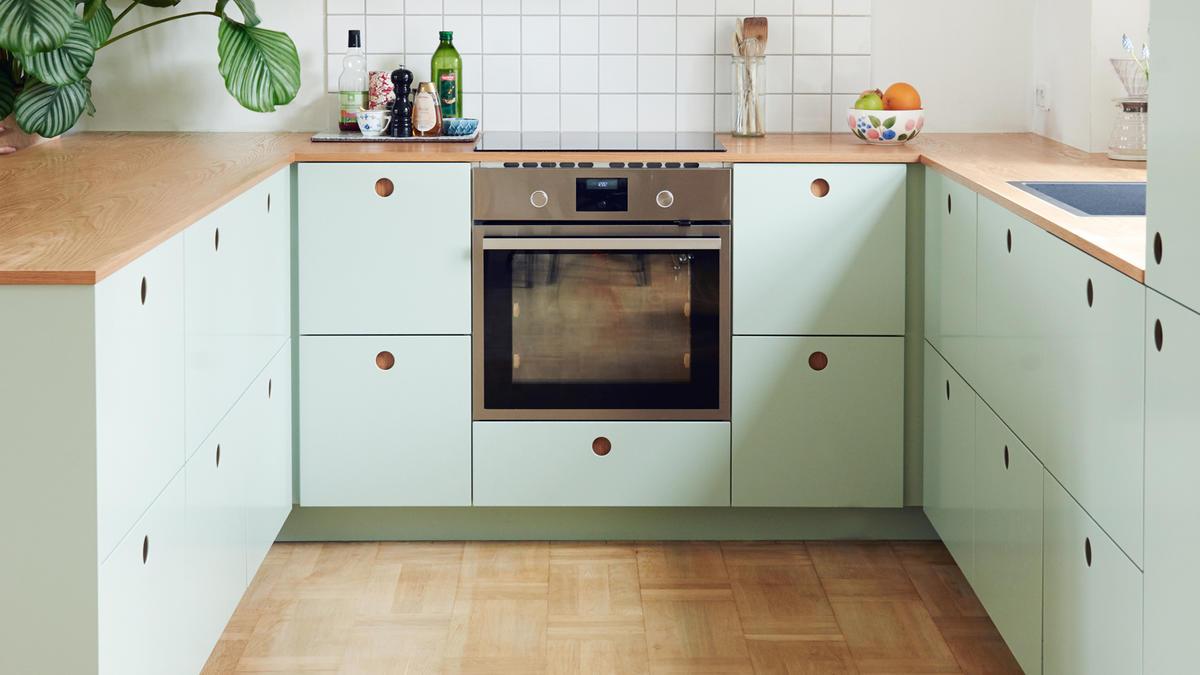 Full Size of Ikea Küche Schneidemaschine Blende Einbauküche Mit E Geräten Sofa Schlaffunktion Aufbewahrungsbehälter Hochschrank Elektrogeräten Planen Kostenlos Tapete Wohnzimmer Ikea Küche