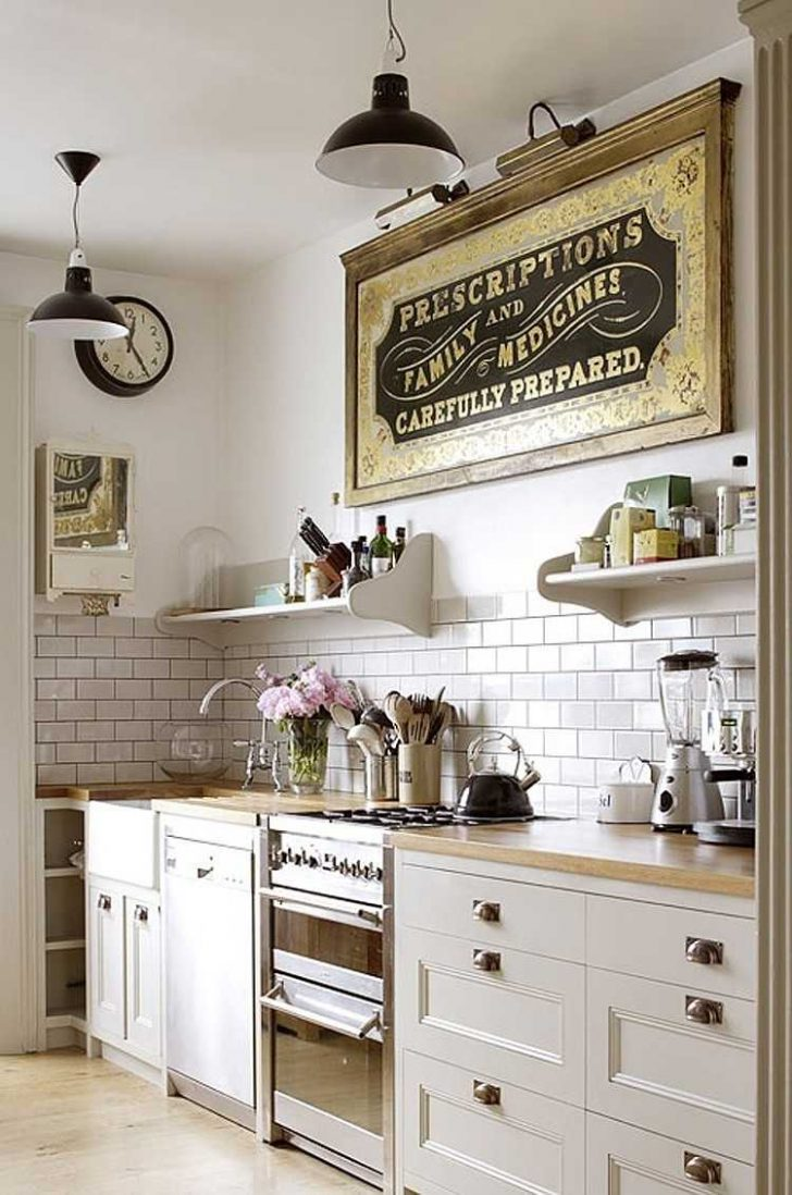 Medium Size of Küche Wanddeko Zauberhafte Kche Im Landhausstil Einrichten Kleiner Tisch Tresen Polsterbank Holzofen Ikea Kosten Amerikanische Kaufen Pendelleuchten Wohnzimmer Küche Wanddeko